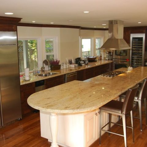 Kitchen with marble countertops white cabinetry bar stools, Interior work, Architect design, Los Altos
