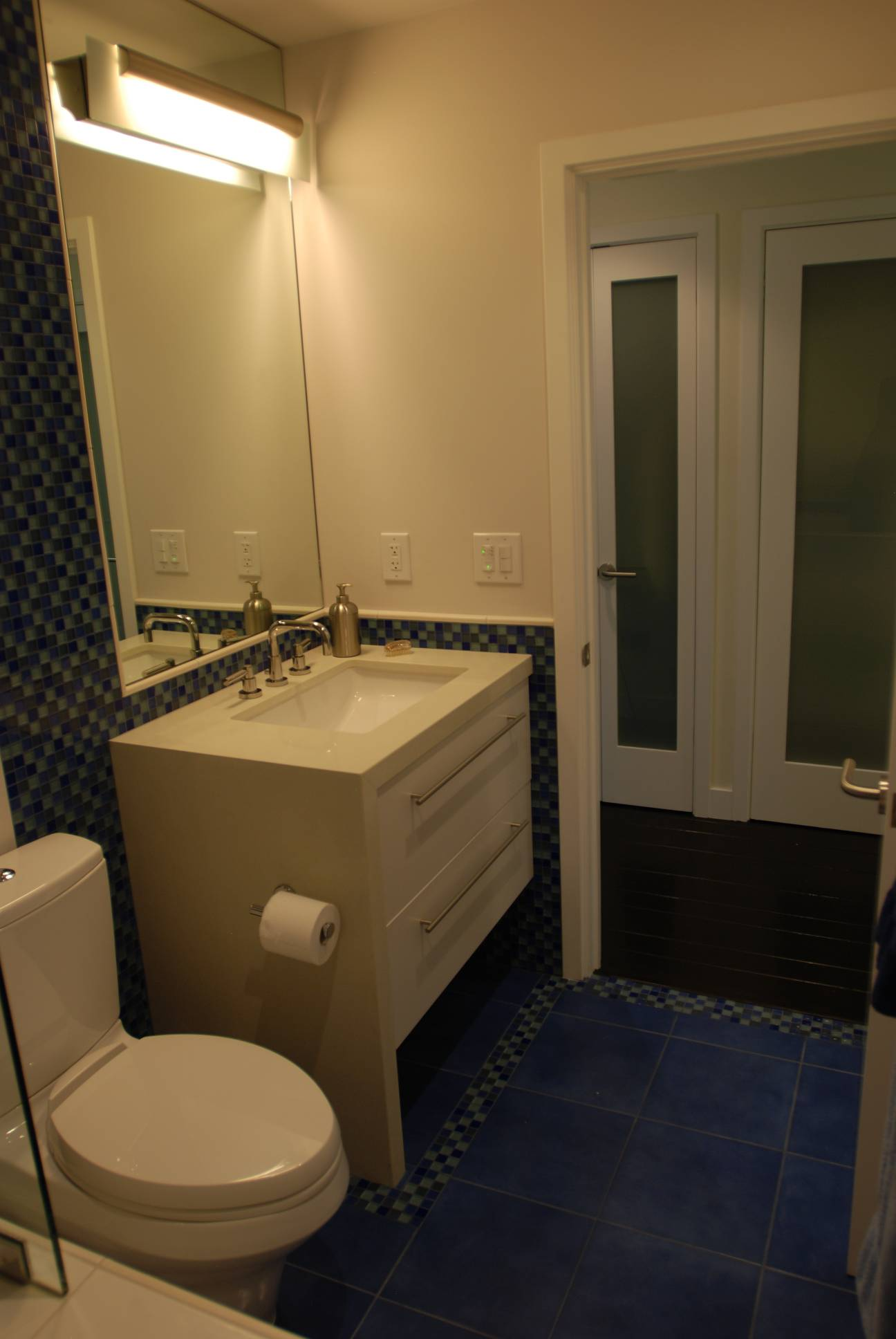 White and Blue Tile Bathroom, Splendid Architect design, interior design work, Menlo Park
