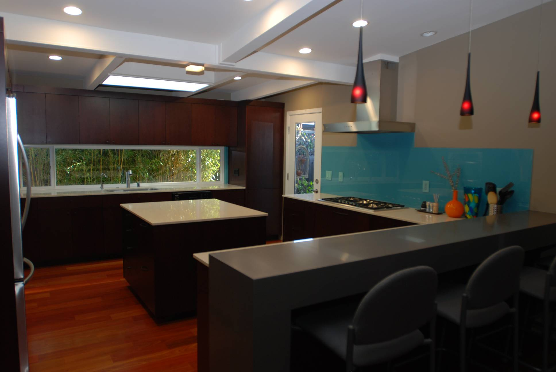 modern kitchen with white countertops bar stools and island, Interior work, Architect design, Mountain View