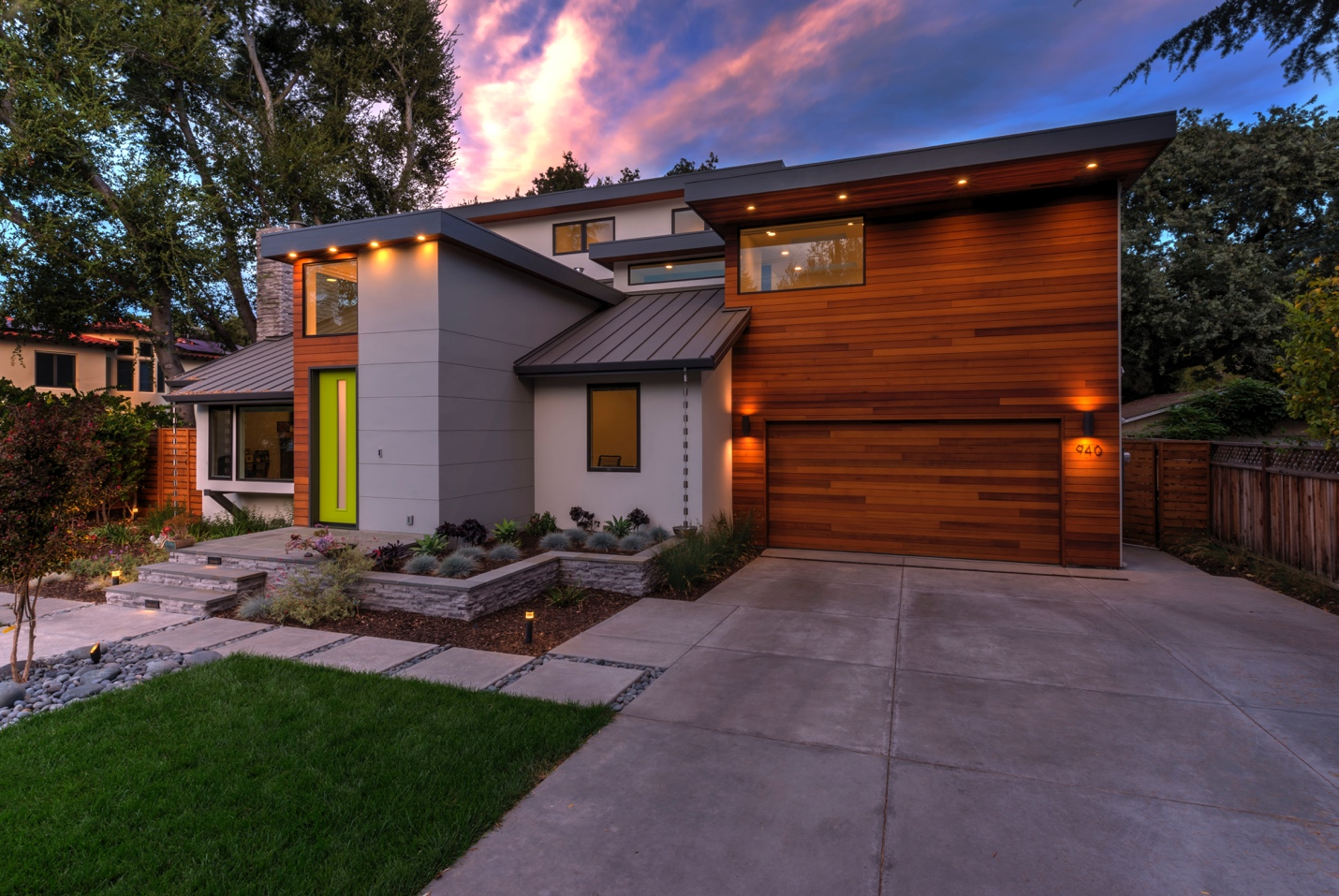Exterior design and lawn,Los Altos
