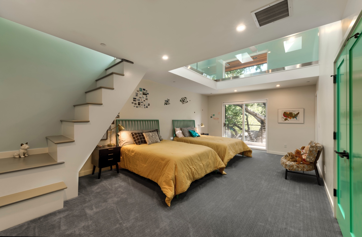 modern bed room with stairs, Los Altos