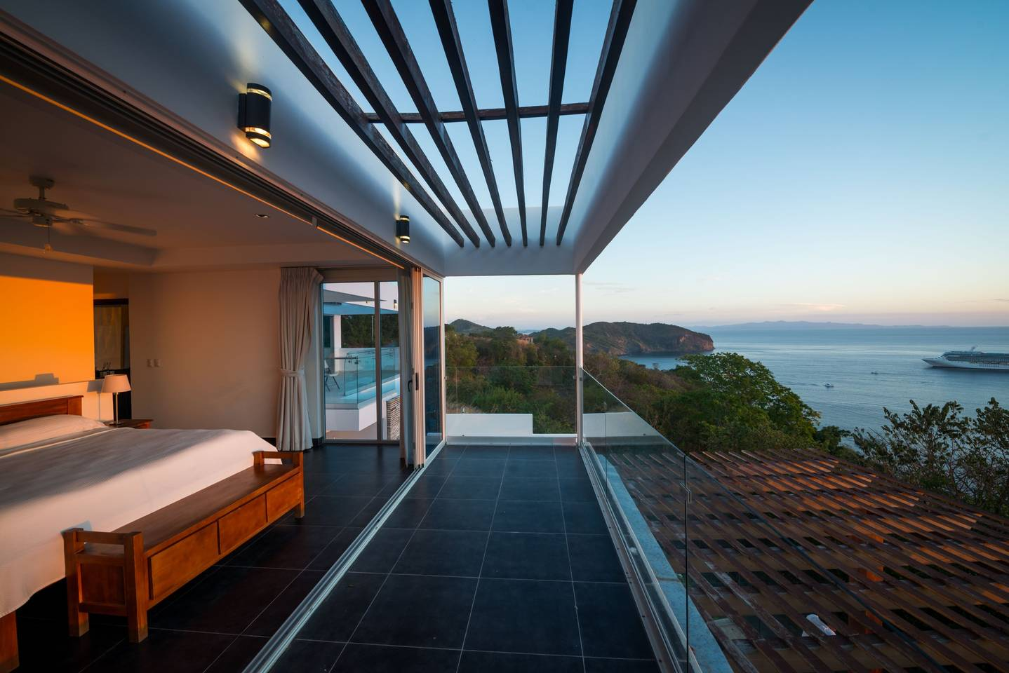 Beautiful beach, interior design, best architect work, Pacific Penthouse Residence