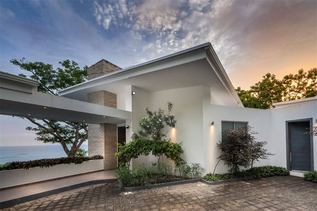Modern home outside, architect design, T6 Beach Residence