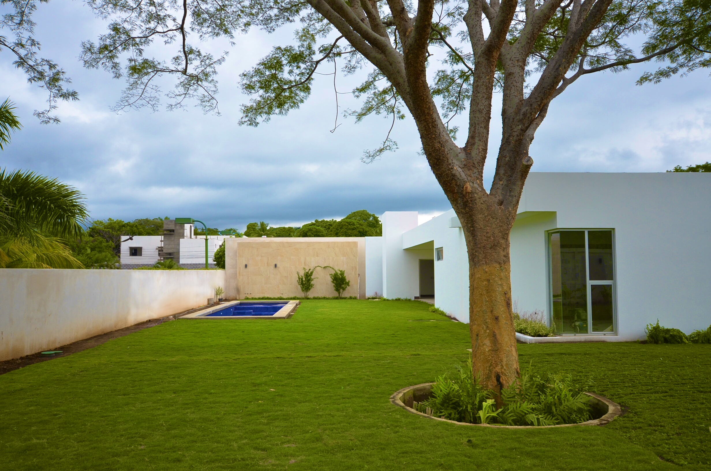 Ellegant lawn, outside, architect design, EL Mirador Residence