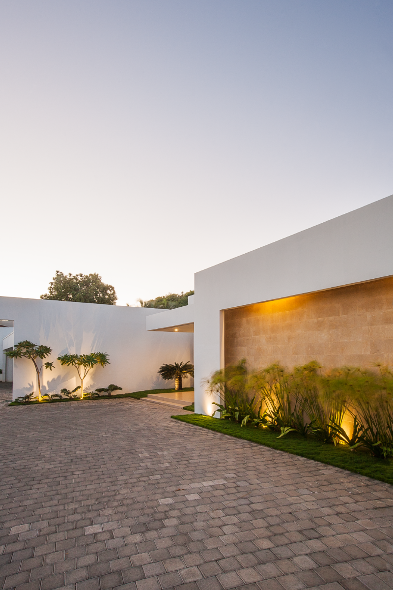Outdoor garage, architect design, Enstancia Residence