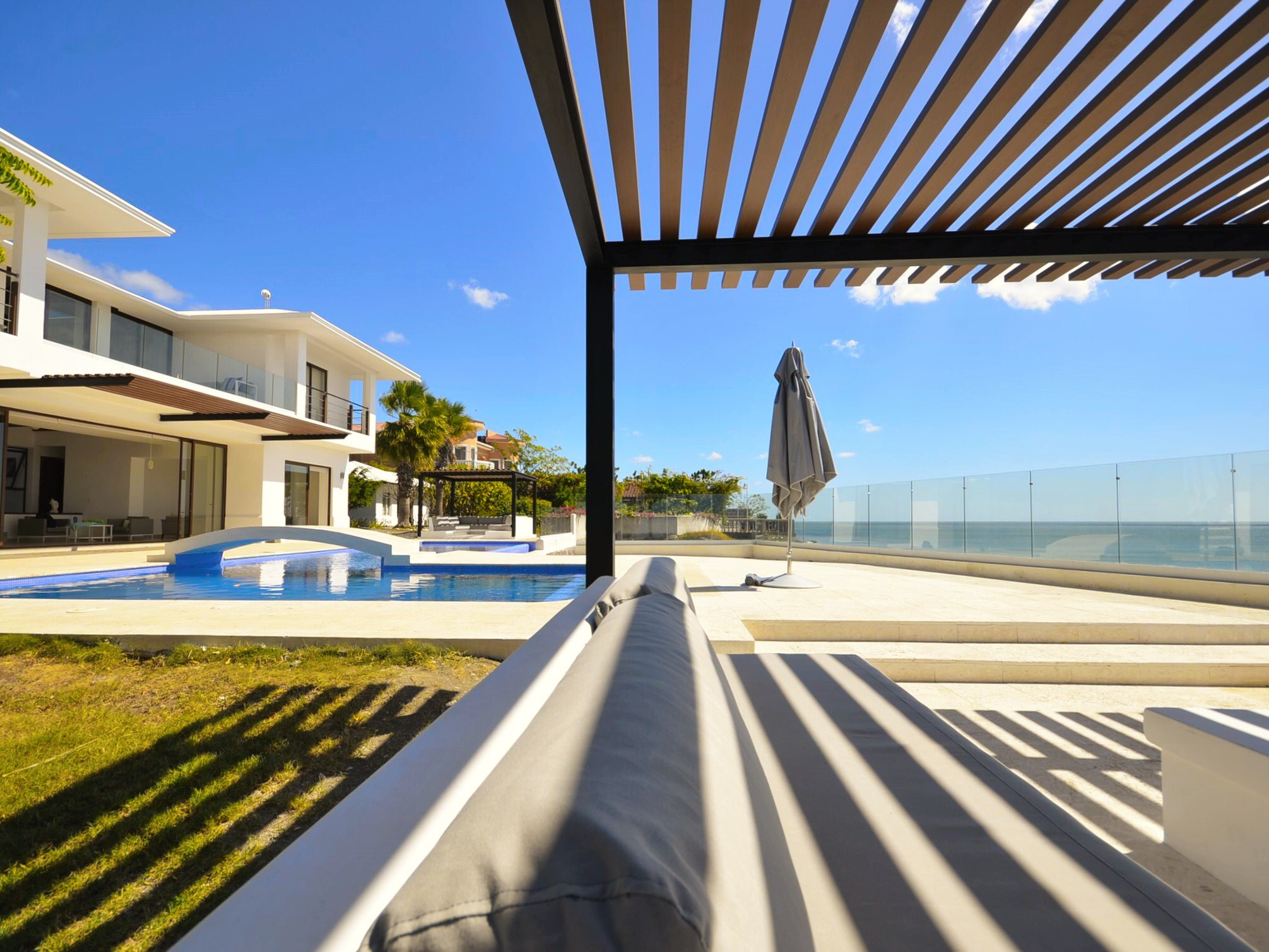 Beautiful beach, interior best design, best architect work, Sorrento Beach Residence
