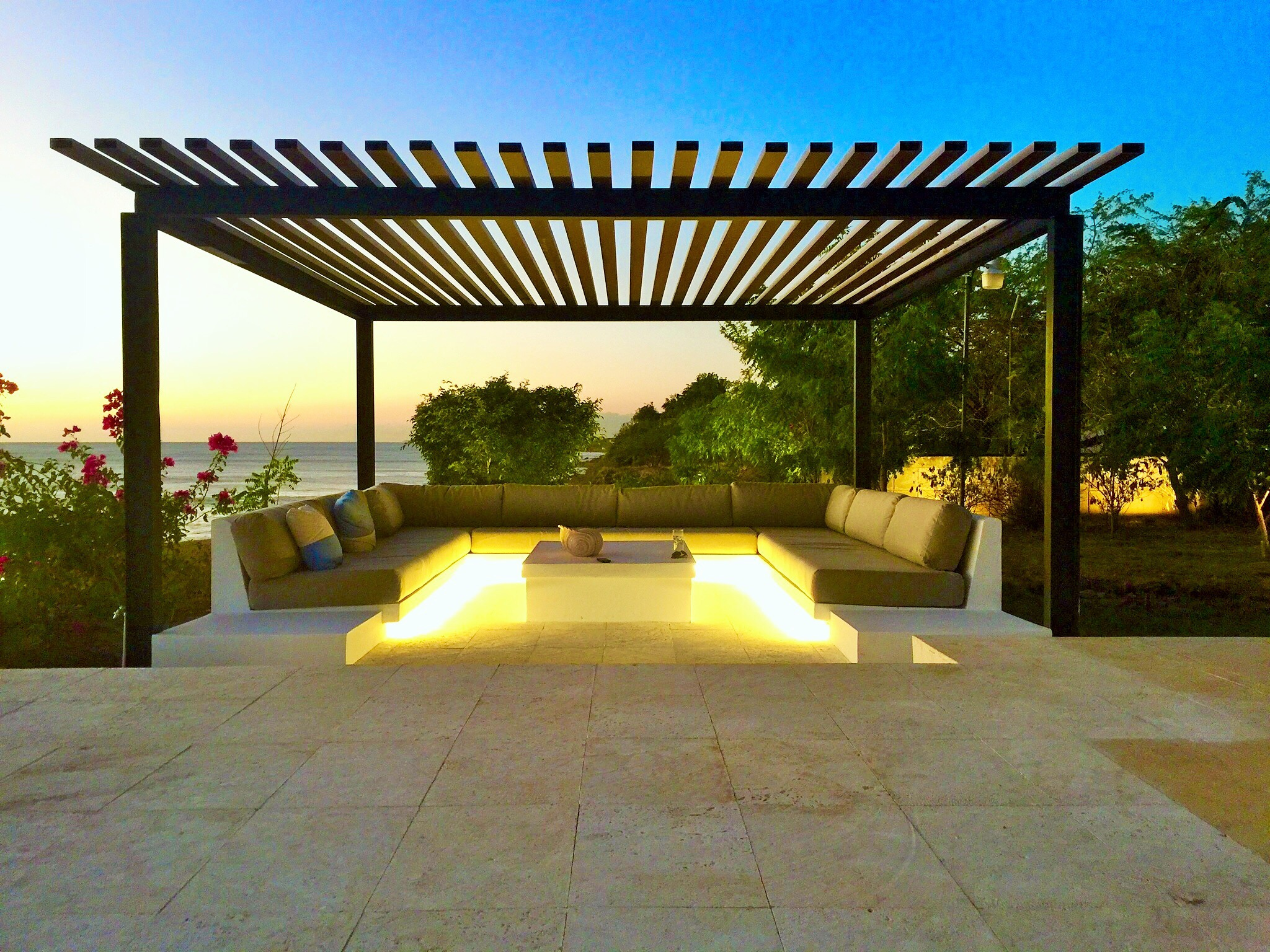 Outside sitting area, exterior design, architect design work, Sorrento Beach Residence