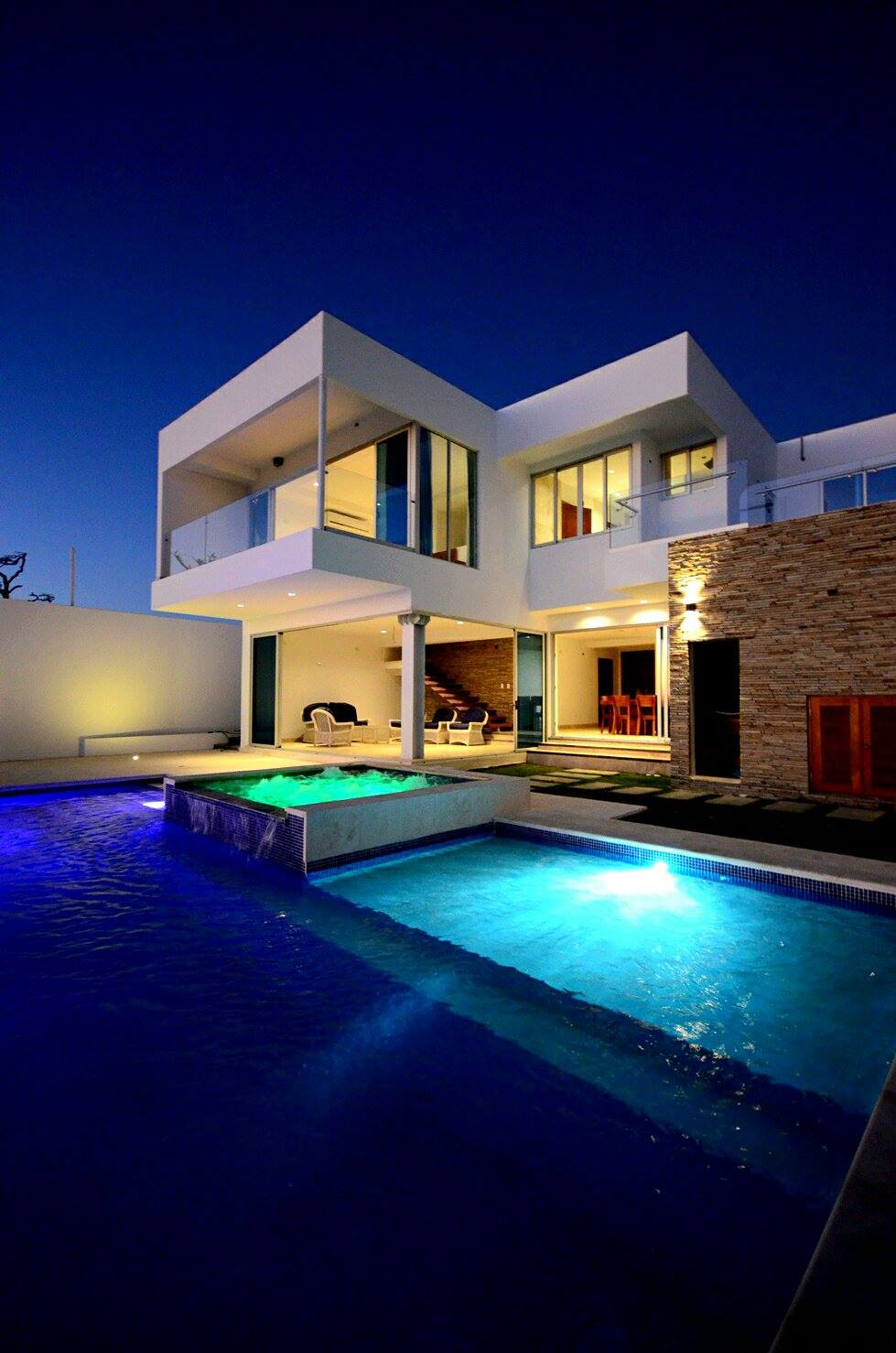 Modern pool, beautiful view, exterior design, architect work, Pacific Penthouse Residence