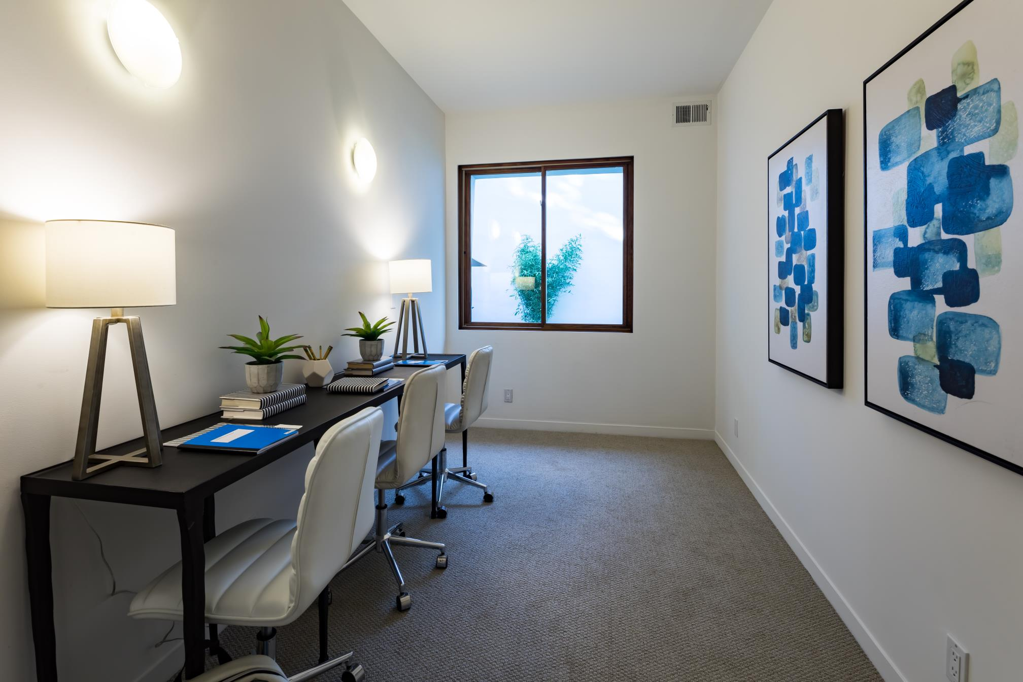 Modern office corner, decent interior work, Los Altos
