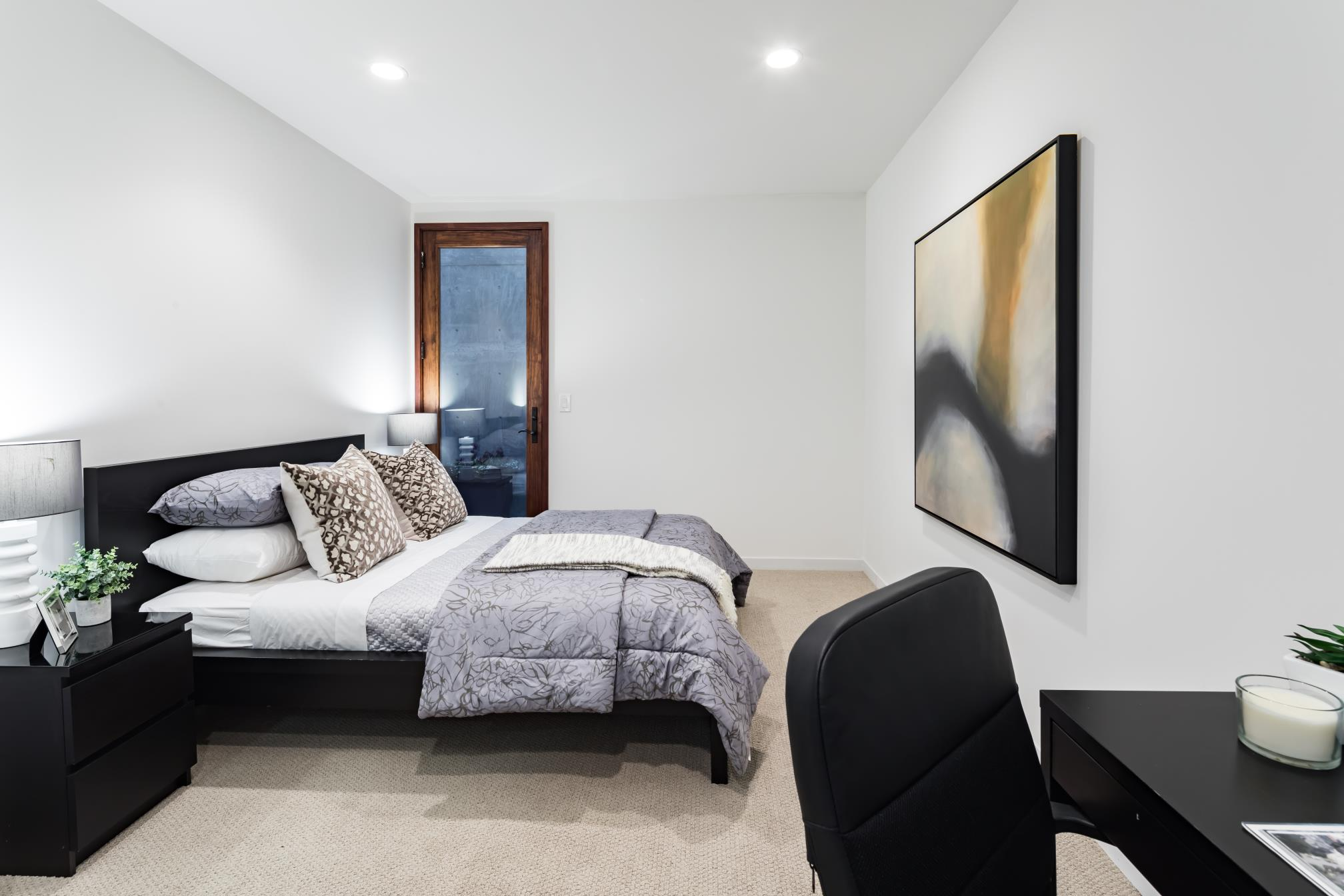 Simple decent bedroom, architect design, Los Altos