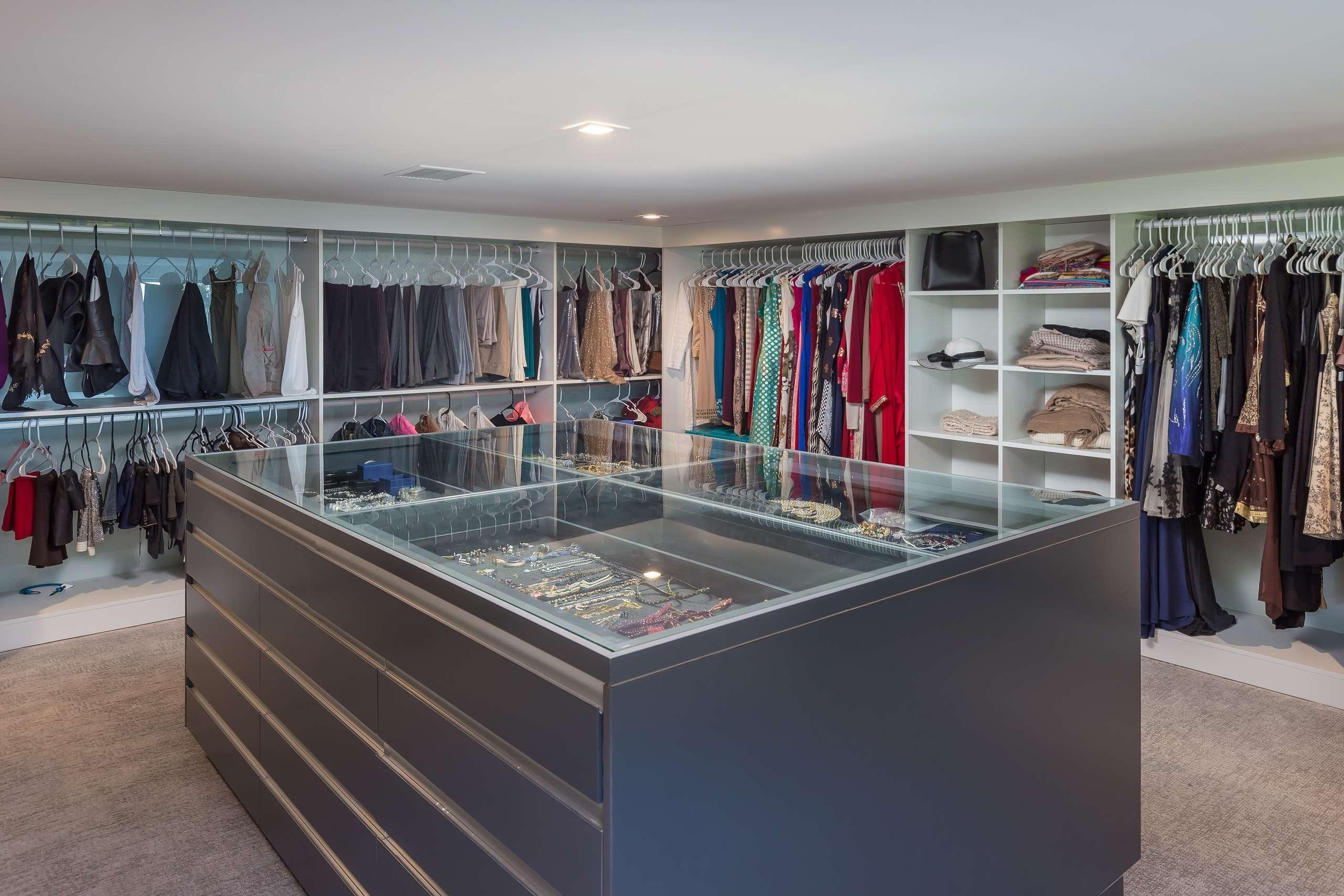 Master Closet (a) copy