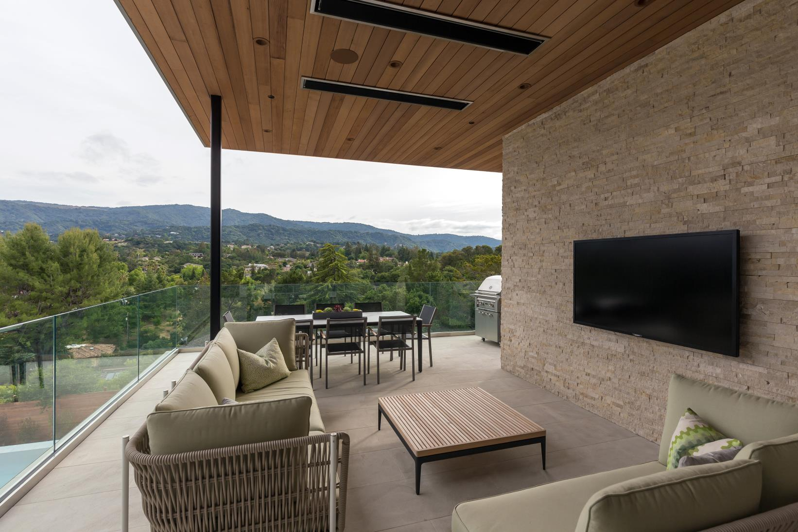 Balcony Tv Lounge, Los Altos Hills